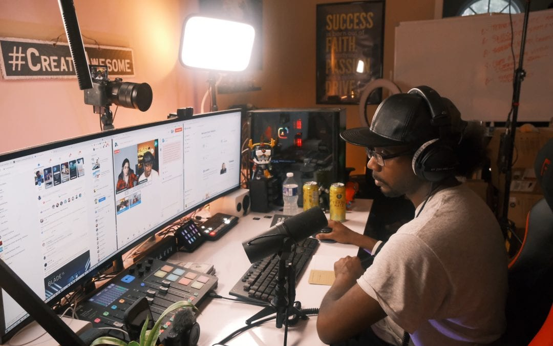 How I Earn $25,000 a Month as a Full-Time Content Creator